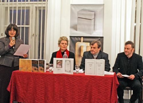 A vendégeket Mezey Katalin kiadóvezető köszöntötte, Vasy Géza, a Magyar Írószövetség elnöke Határ Győző