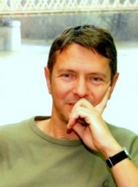"""Beszédes István (József Attila-díj): """"Kezében a detonátor"""""""