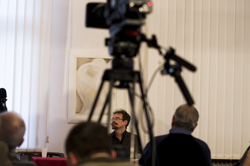 Két szerzőnk írt összefoglaló beszámolót az Írószövetség egész napos konferenciájáról, melyet 2009.