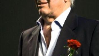 Pozitív üzenet - Magyar írók Mario Vargas Llosáról