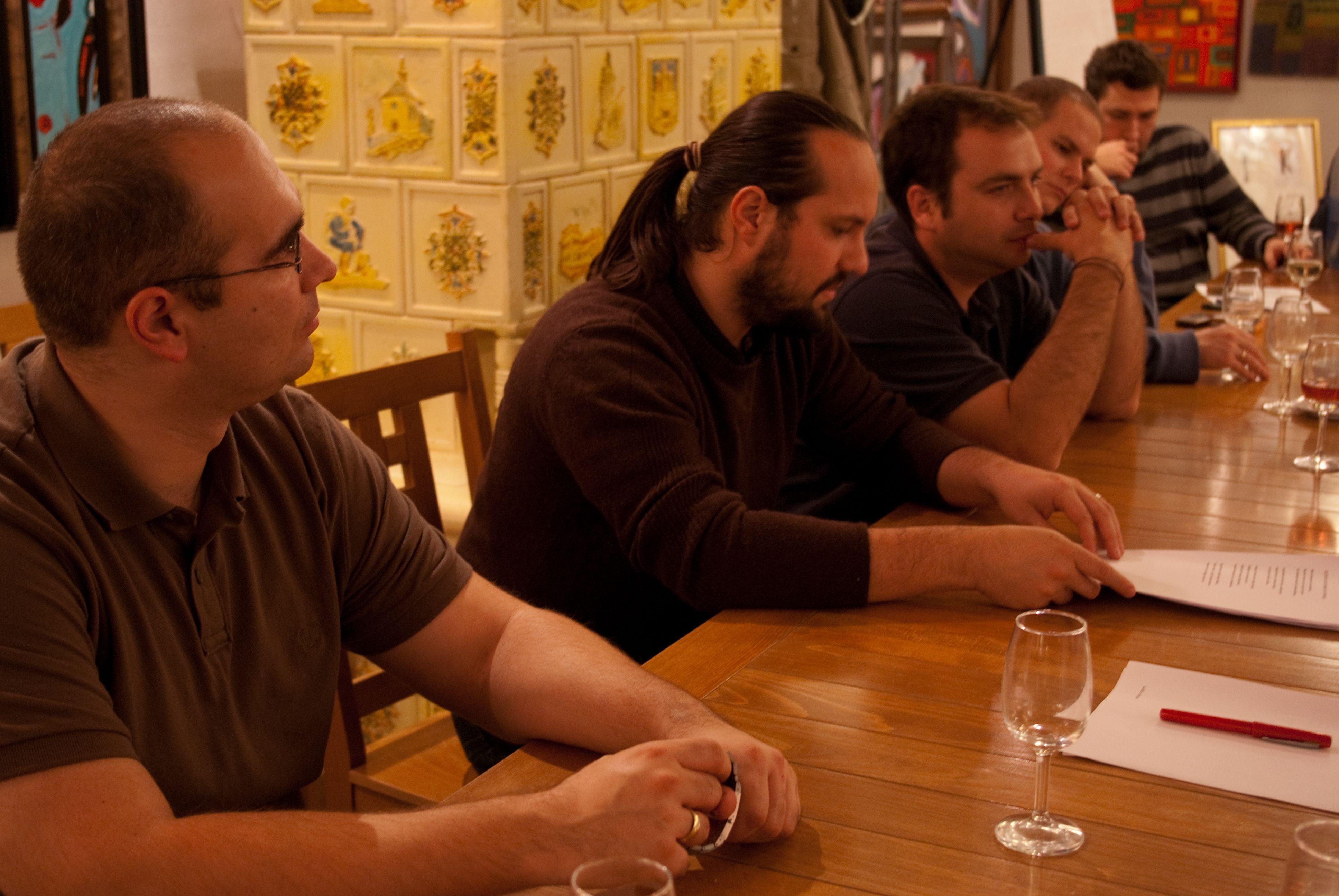 Sejthetőek a következményei annak, ha egy írótábor egyik fő tematikája a bor és a borfogyasztás. Különöse