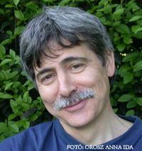 Lator László költő, műfordító, a 2008-ban alapított Rotary Irodalmi Díj első kitüntetettje és Orosz