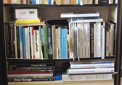 Az adóbevallásomhoz csatolt kiegészítő adatok alapján évente körülbelül nyolvanötször  vásárolok könyveket ma
