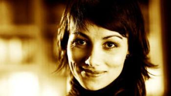 Iancu Laura: Faidőben, faölekben