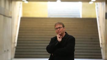 Wirth Imre: A köztesség ingó térszerkezetében