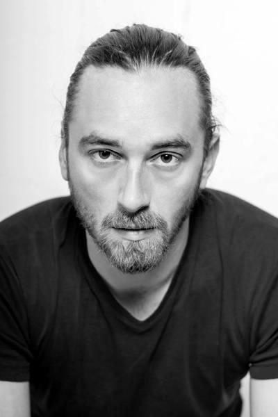 Író-olvasó találkozó Simon Mártonnal