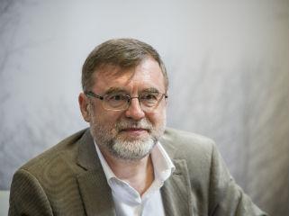 Matei Vişniec: Könyveket írni és olvasni az ellenállás egyik formája